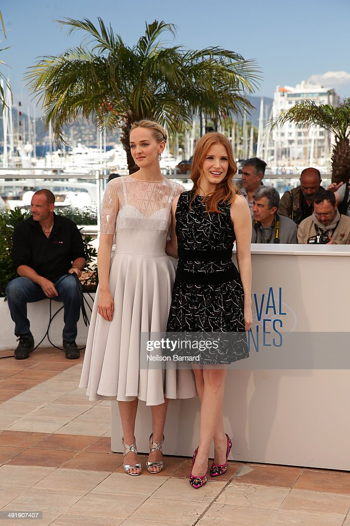 Actors Jessica Chastain (R) and Jess Weixler attend the 'Disappearance of Eleanor Rigby' photocall at the 67th Annual Cannes Film Festival on May 18, 2014 in Cannes, France.