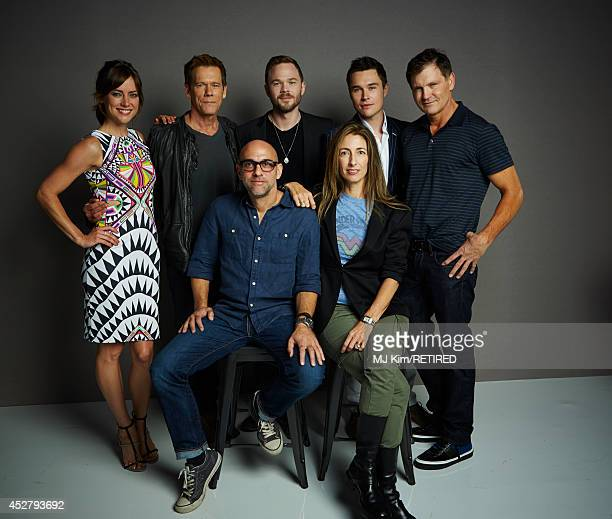 Actors Jessica Stroup Kevin Bacon Shawn Ashmore Sam Underwood producer Kevin Williamson director Marcos Siega and producer Jennifer Johnson pose for...