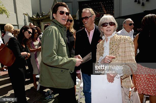 Actors Jim Carrey Parky DeVogelaere Peter Fonda and Shirlee Mae Adams attend actress Jane Fonda's Handprint/Footprint Ceremony during the 2013 TCM...