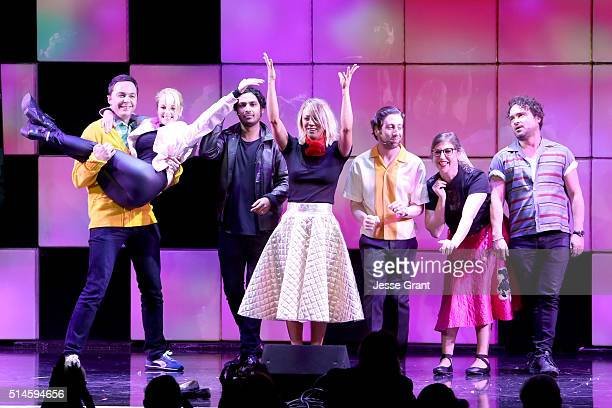 Actors Jim Parsons Melissa Rauch Kunal Nayyar Kaley Cuoco Simon Helberg Mayim Bialik and Johnny Galecki perform onstage during the 24th and final 'A...