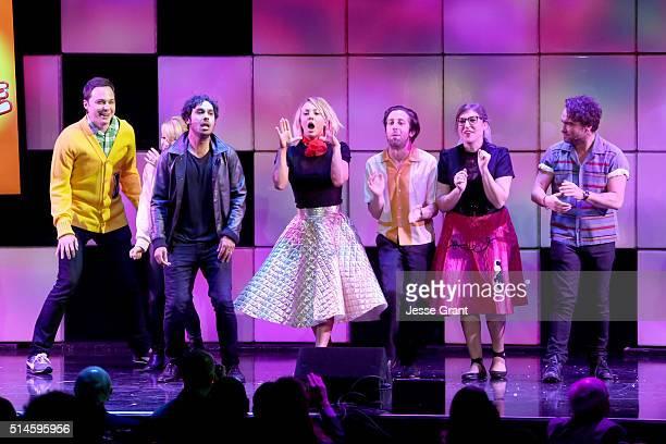 Actors Jim Parsons Melissa Rauch Kunal Nayyar Kaley Cuoco Simon Helberg Mayim Bialik and Johnny Galecki perform onstage during the 24th and final A...