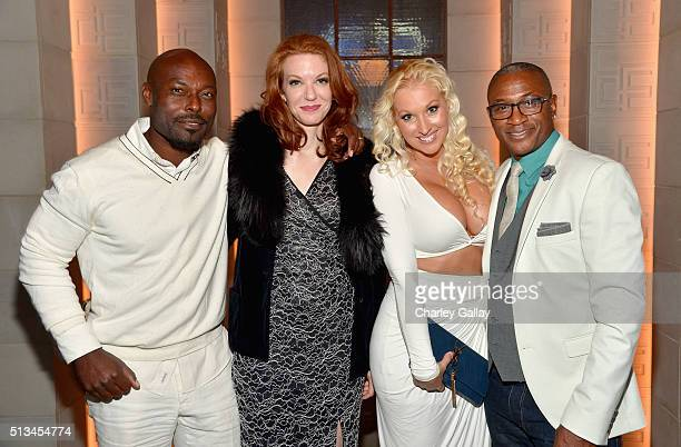 Actors Jimmy JeanLouis Andrea Frankle Amanda Davidson and Tommy Davidson attend WGN America's 'Underground' World Premiere on March 2 2016 in Los...
