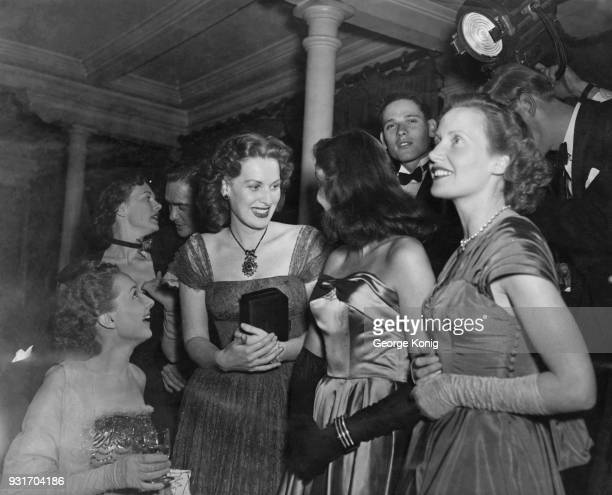 Actors Joan Dowling Beatrice Campbell Richard Todd Maureen O'Hara Patricia Plunkett and Joan Hopkins in the AB box at the Royal Albert Hall for the...