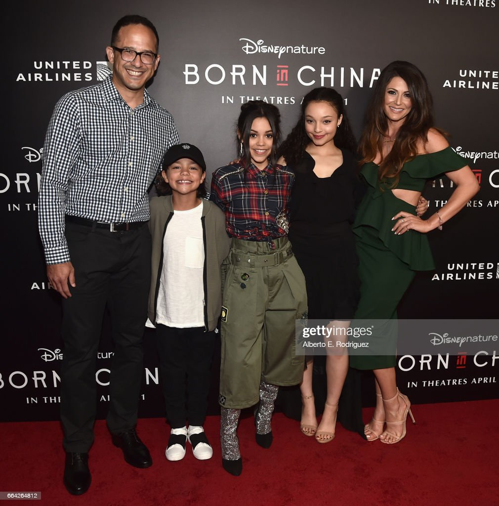 """Los Angeles Premiere Of Disneynature's """"BORN IN CHINA"""" : News Photo"""