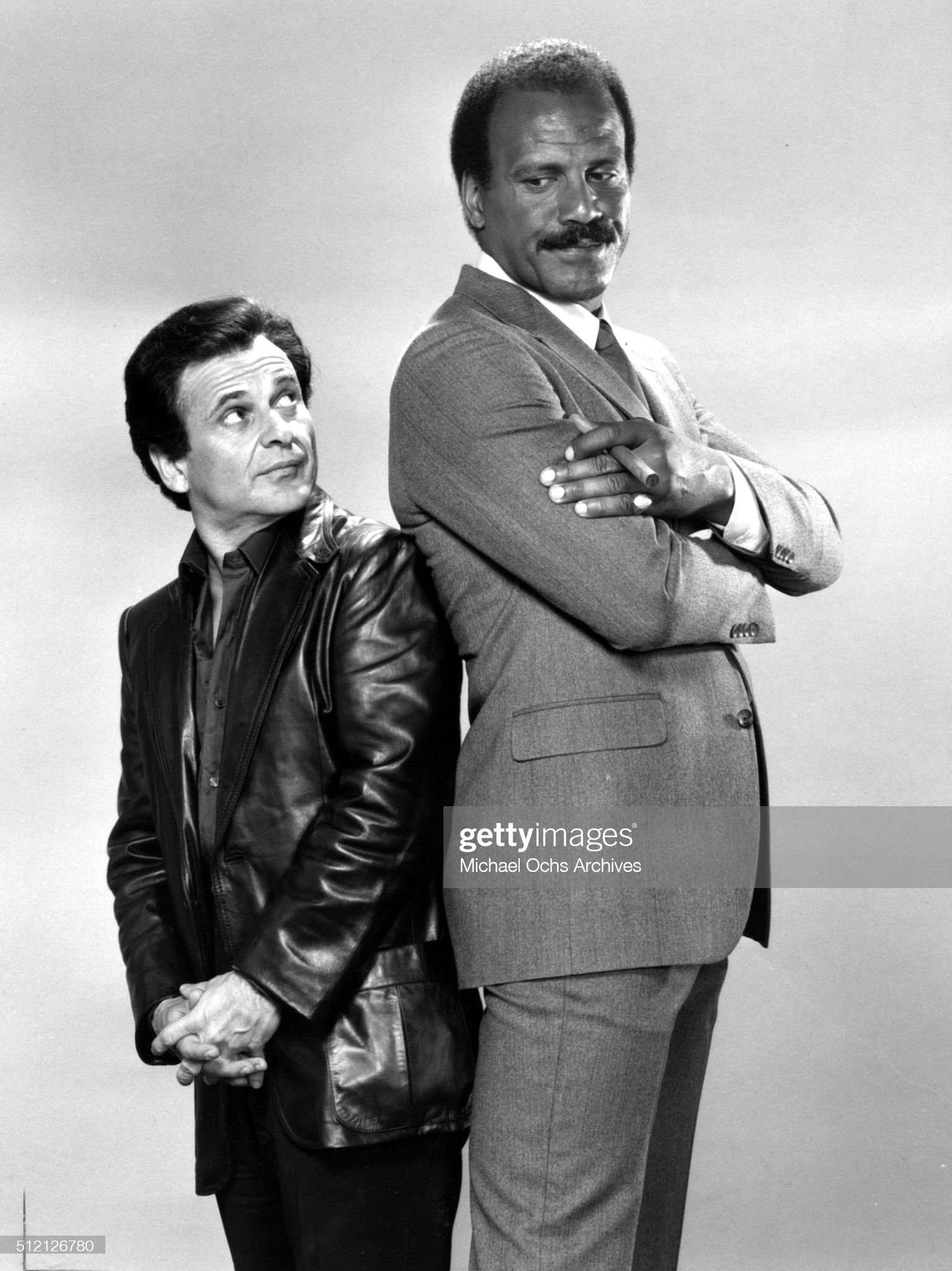 ¿Cuánto mide Joe Pesci? - Altura - Real height Actors-joe-pesci-and-fred-williamson-pose-for-a-portrait-for-the-tv-picture-id512126780?s=2048x2048