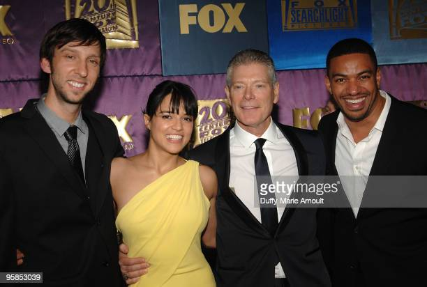 Actors Joel Moore Michelle Rodriguez Stephen Lang and Laz Alonso attend Fox's 2010 Golden Globes Awards Party at Craft on January 17 2010 in Century...