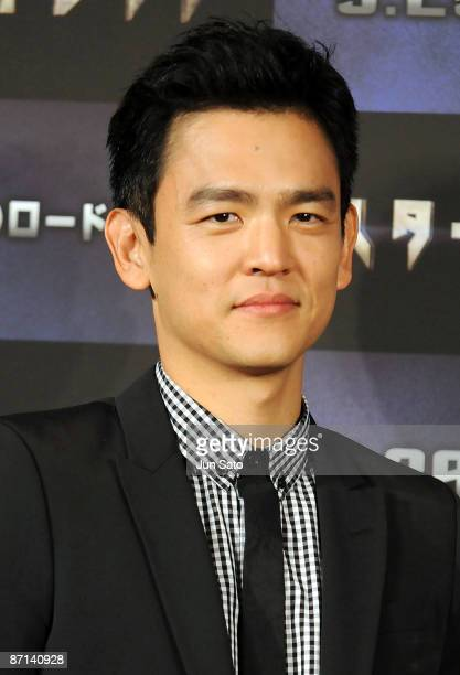 Actors John Cho attends the 'Star Trek' press conference at Grand Hyatt Tokyo on May 13 2009 in Tokyo Japan The film will open on May 29 in Japan