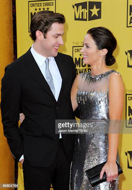 Actors John Krasinski and Emily Blunt arrive at the 15th annual Critics' Choice Movie Awards held at the Hollywood Palladium on January 15 2010 in...