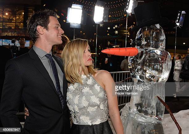 Actors Johnathan Groff, Kristen Bell, attend the premiere of Walt Disney Animation Studios' 'Frozen'at the El Capitan Theatre on November 19, 2013 in...