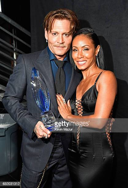 Actors Johnny Depp and Jada Pinkett Smith backstage at the People's Choice Awards 2017 at Microsoft Theater on January 18 2017 in Los Angeles...