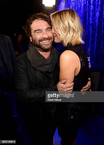 Actors Johnny Galecki and Kaley Cuoco attend the People's Choice Awards 2016 at Microsoft Theater on January 6 2016 in Los Angeles California