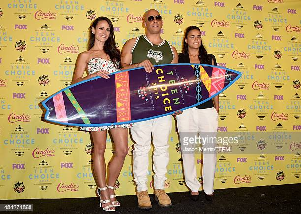 Actors Jordana Brewster Vin Diesel and Michelle Rodriguez winners of the Choice Movie Action Award for Furious 7 pose in the press room during the...