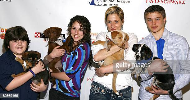 Actors Josh Flitter Hallie Kate Eisenberg Edie Flaco and Brandon Hannan at the 8th Annual North Shore Animal League's Tour For Life Grand Finale at...