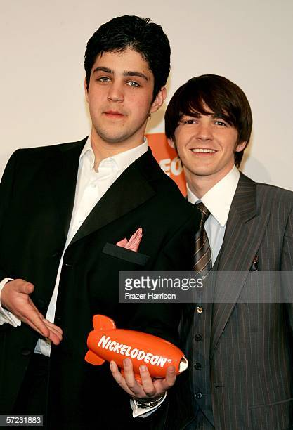 Actors Josh Peck and Drake Bell of the show Drake Josh pose with their award for Favorite TV Show in the press room during the 19th Annual Kid's...