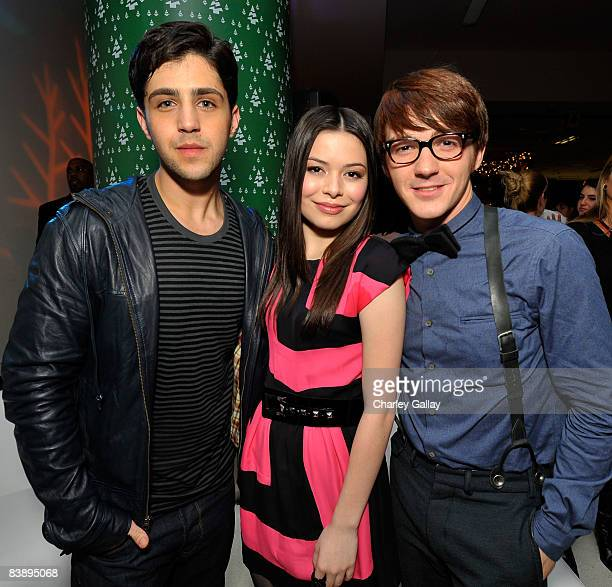 Actors Josh Peck Miranda Cosgrove and Drake Bell attend the after party for Merry Christmas Drake Josh at the Westside Pavillion on December 2 2008...
