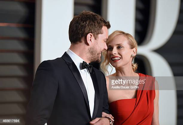 Actors Joshua Jackson and Diane Kruger arrive at the 2015 Vanity Fair Oscar Party Hosted By Graydon Carter at Wallis Annenberg Center for the...