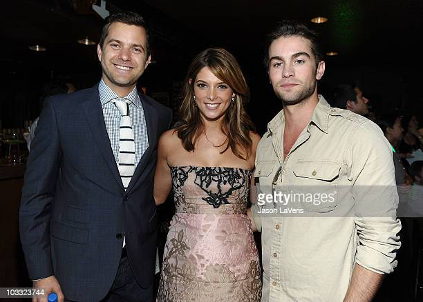 Actors Joshua Jackson Ashley Greene and Chace Crawford attend the green room at the 2010 Teen Choice Awards sponsored by EA's The Sims 3 at the...