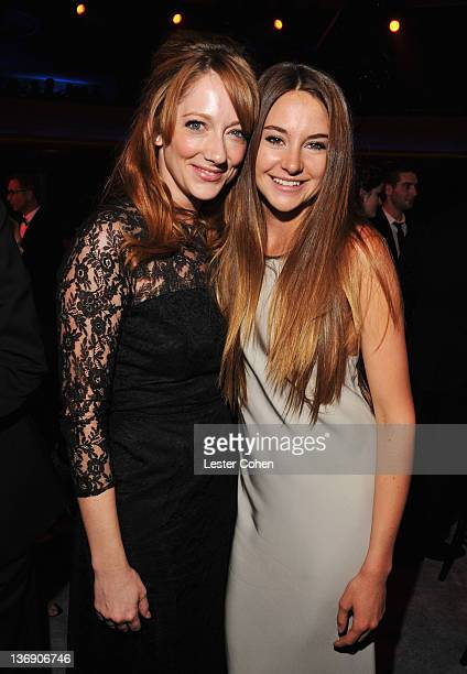 Actors Judy Greer and Shailene Woodley onstage at the 17th Annual Critics' Choice Movie Awards held at The Hollywood Palladium on January 12 2012 in...
