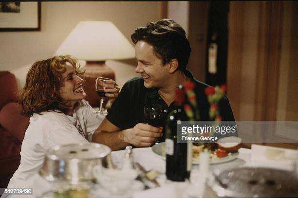 Actors Julia Roberts and Tim Robbins on the set of the film Prêt-à-Porter, , directed by American director Robert Altman.