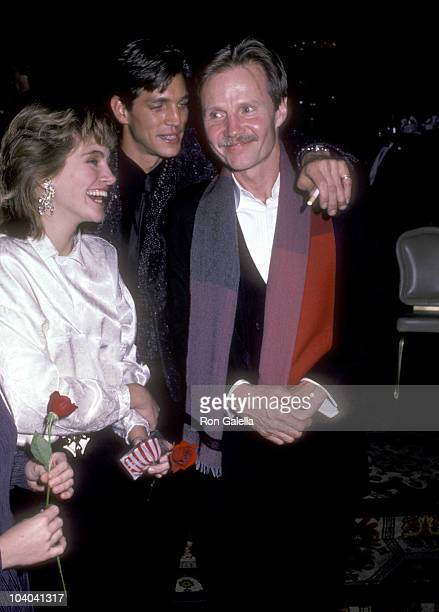 Actors Julia Roberts Eric Roberts and Jon Voight attend the Runaway Train New York City Premiere Party on December 4 1985 at The Plaza Hotel in New...
