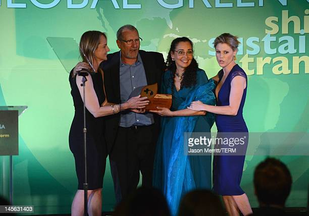 Actors Julie Bowen and Ed O'Neill Catherine Rusoff and actress Helen Hunt attend the 16th Annual Global Green USA Millennium Awards held at Fairmont...