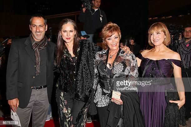 Actors Julio Bracho Isaura Espinoza Sylvia Pasquel and Diana Bracho attend the 2009 Ariel 51 awards at Auditorio Nacional on March 31 2009 in Mexico...