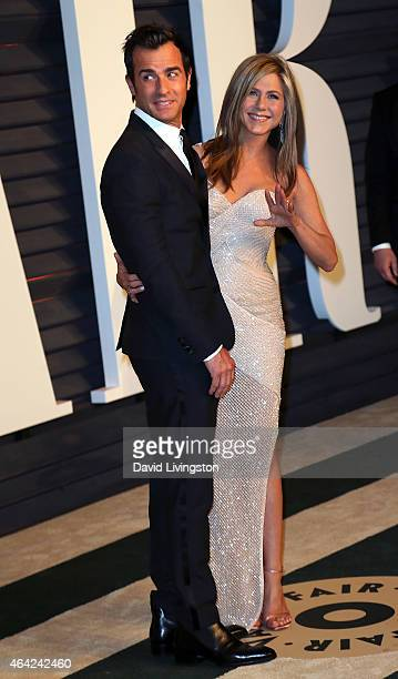 Actors Justin Theroux and Jennifer Aniston attend the 2015 Vanity Fair Oscar Party hosted by Graydon Carter at the Wallis Annenberg Center for the...