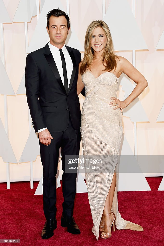 Actors Justin Theroux (L) and Jennifer Aniston attend the 87th Annual Academy Awards at Hollywood & Highland Center on February 22, 2015 in Hollywood, California.
