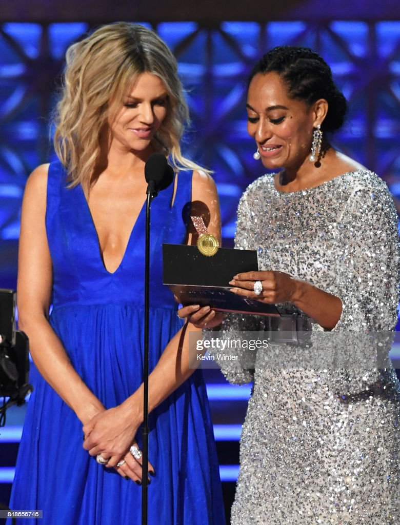 foto Kaitlin olson emmy awards in los angeles