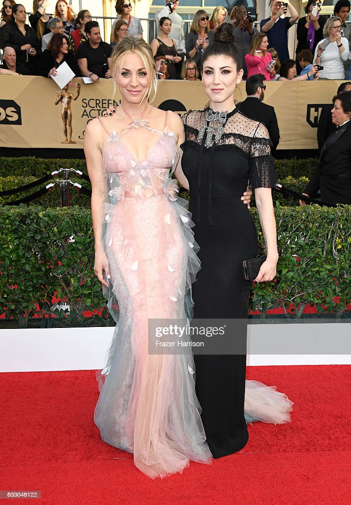 Actors Kaley and Briana Cuoco attend The 23rd Annual Screen Actors Guild Awards at The Shrine Auditorium on January 29, 2017 in Los Angeles, California. 26592_008