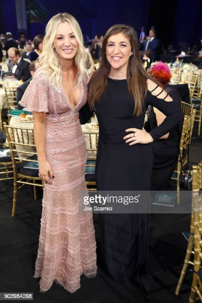 Actors Kaley Cuoco and Mayim Bialik attends the 23rd Annual Critics' Choice Awards on January 11 2018 in Santa Monica California