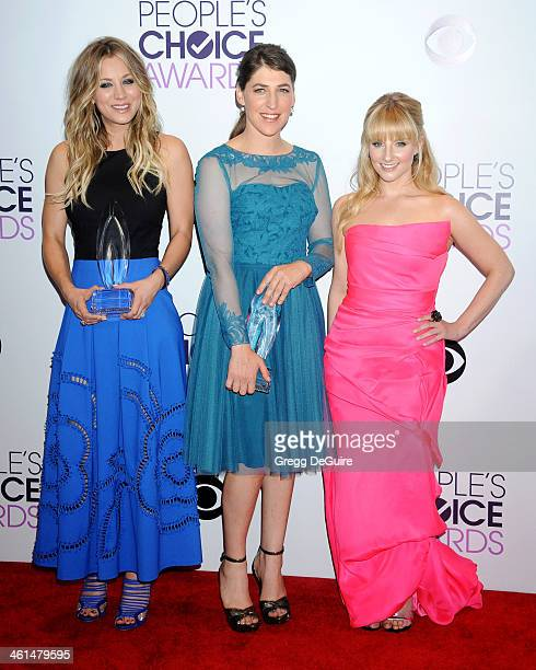 Actors Kaley Cuoco Mayim Bialik and Melissa Rauch pose in the press room at the 40th Annual People's Choice Awards at Nokia Theatre LA Live on...