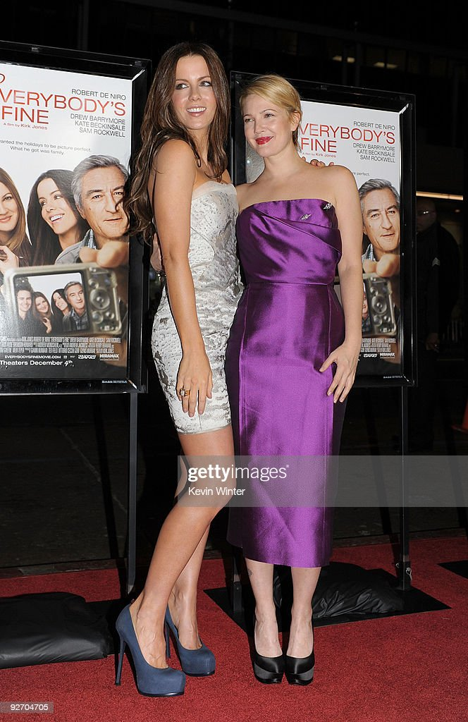 "AFI FEST 2009 Screening of Miramax' ""Everybody's Fine"" - Arrivals : News Photo"