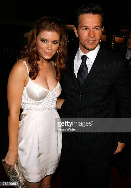 Actors kate Mara and Mark Wahlberg arrives at the Paramount Pictures premiere of the film Shooter at the Mann Village Theatre on March 8 2007 in...