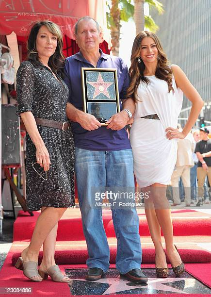Actors Katey Sagal Ed O'Neill and Sofia Vergara attend a ceremony honoring actor Ed O'Neill with the 2446th Star on the Hollywood Walk of Fame on...