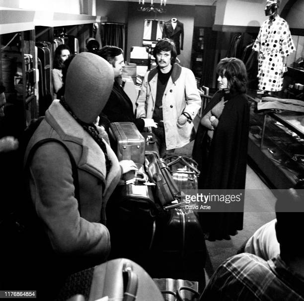 Actors Katherine Helmond in her first movie role as saleslady Marcia Jean Kurtz Tom Lacy Michael Sarrazin and Jacqueline Bisset on the set of the...