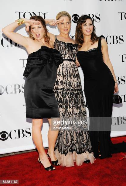 Actors Kathryn Hahn, Mary McCormack and Gina Gershon attend the 62nd Annual Tony Awards at Radio City Music Hall on June 15, 2008 in New York City.