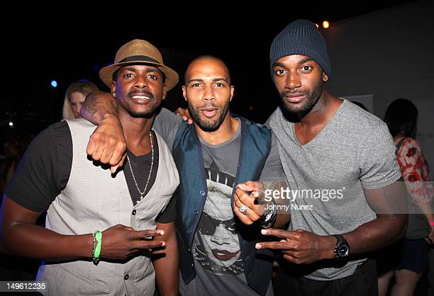 Actors Keith Robinson Omari Hardwick and Mo McRae attend the A Wonderful Life Performance Series Featuring Estelle presented by Rosa Regale at The...