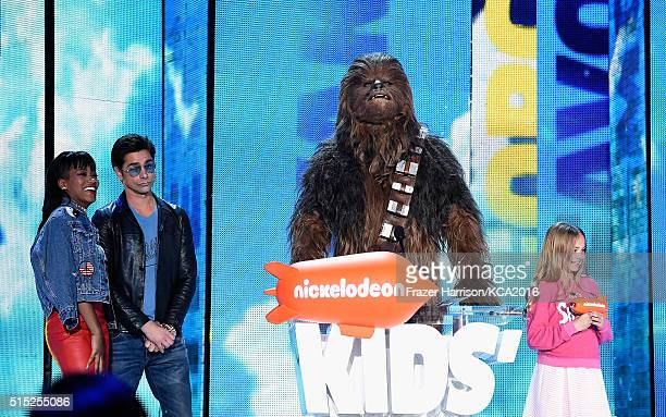 Actors Keke Palmer John Stamos and Chewbacca onstage during Nickelodeon's 2016 Kids' Choice Awards at The Forum on March 12 2016 in Inglewood...