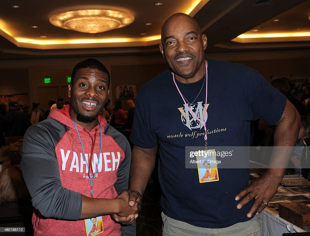 Actors Kel Mitchell and Ken Foree at The Hollywood Show held at The Westin Hotel LAX on January 24, 2015 in Los Angeles, California.