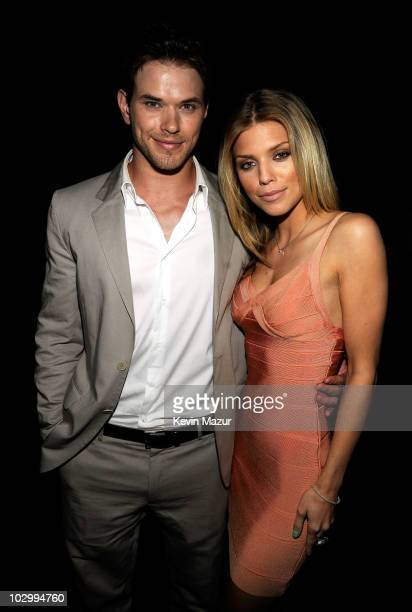Actors Kellan Lutz and AnnaLynne McCord attend the 2010 VH1 Do Something Awards held at the Hollywood Palladium on July 19 2010 in Hollywood...