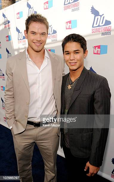 Actors Kellan Lutz and BooBoo Stewart arrive at the 2010 VH1 Do Something! Awards held at the Hollywood Palladium on July 19, 2010 in Hollywood,...