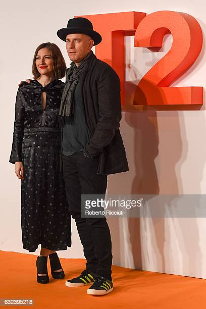 Actors Kelly Macdonald and Ewan McGregor attend the World Premiere of T2 Trainspotting at Cineworld on January 22, 2017 in Edinburgh, United Kingdom.