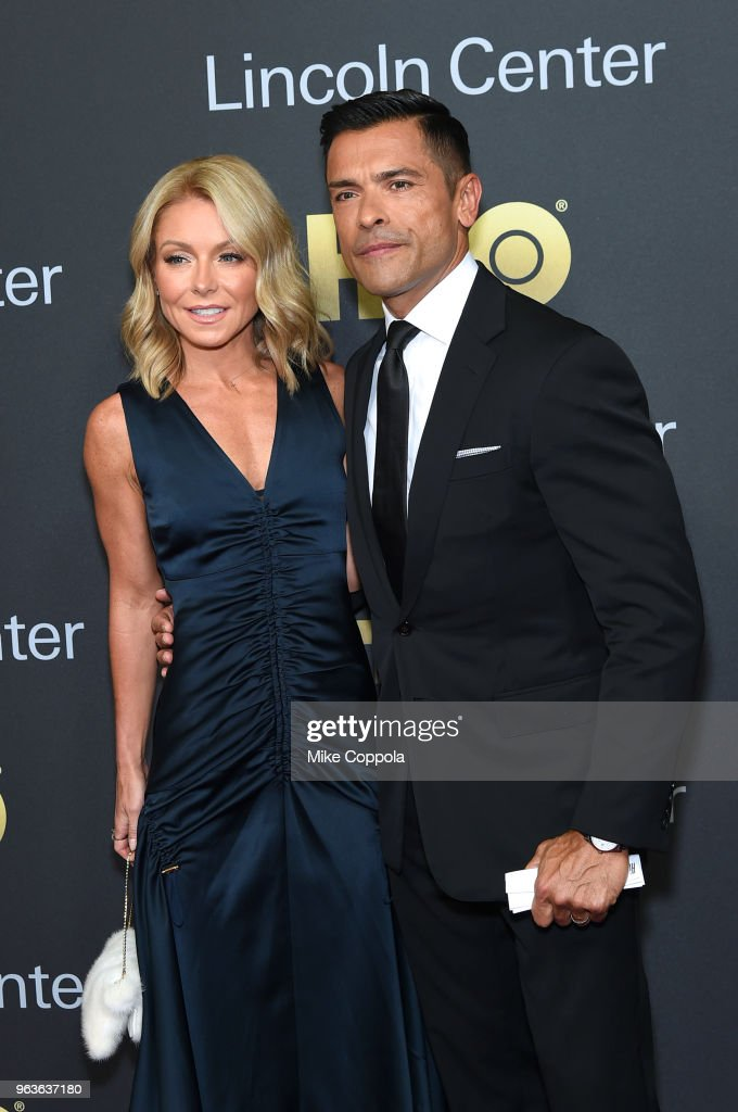 Actors Kelly Ripa (L) and Mark Consuelos attend Lincoln Center's American Songbook Gala at Alice Tully Hall on May 29, 2018 in New York City.