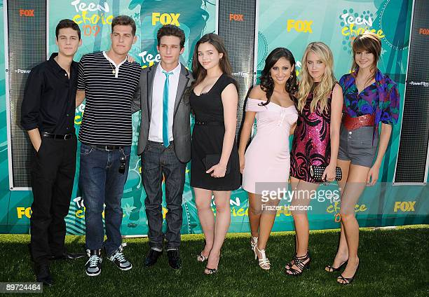 128 Shailene Woodley Or Ken Baumann Or Megan Park Or Daren Kagsoff Or Francia Raisa Or India Eisley Photos And Premium High Res Pictures Getty Images Francia raisa walks alongside daren kagasoff and greg finley on their way to their first college class in this new still from the secret life of the in tonight's episode past history, ricky (kagasoff) tries to convince amy (shailene woodley) that they should come clean with their family and friends that. https www gettyimages com photos shailene woodley or ken baumann or megan park or daren kagsoff or francia raisa or india eisley