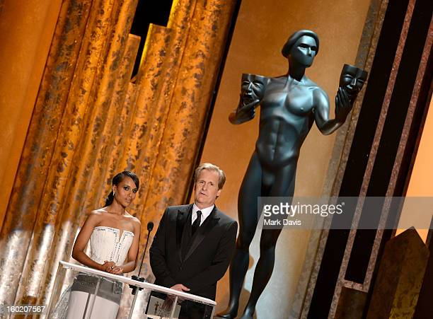 Actors Kerry Washington and Jeff Daniels speak onstage during the 19th Annual Screen Actors Guild Awards held at The Shrine Auditorium on January 27...