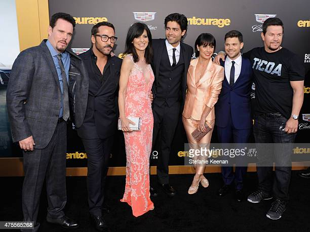 Actors Kevin Dillon, Jeremy Piven, Perrey Reeves, Adrian Grenier, Constance Zimmer, Jerry Ferrara and actor/producer Mark Wahlberg attends the...