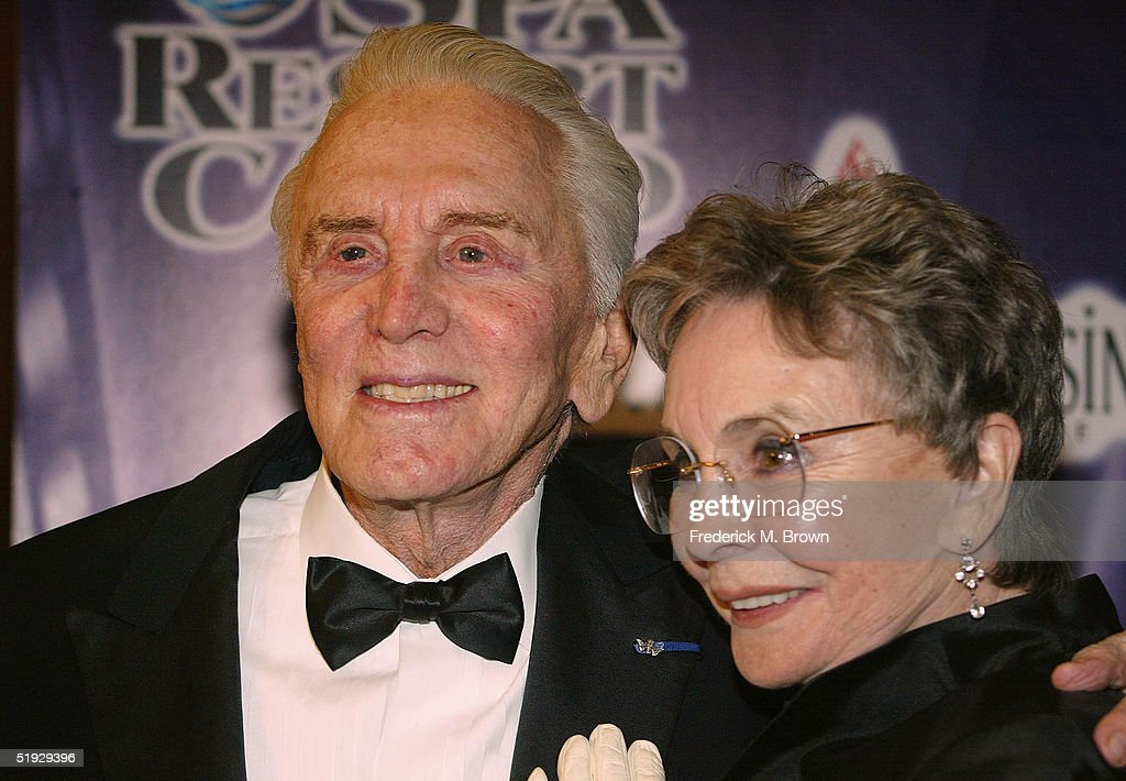 Actors Kirk Douglas and Jean Simmons attend the 16th Annual Palm Springs International Film Festival at the Palm Springs Convention Center on January 8, 2005 in Palm Springs, California.