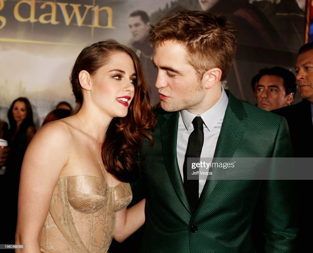 """The Twilight Saga: Breaking Dawn - Part 2"" Los Angeles Premiere - Red Carpet : Photo d'actualité"