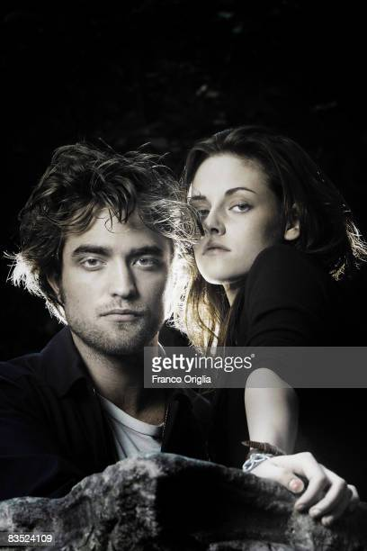 Actors Kristen Stewart and Robert Pattinson pose for the 'Twilight' Portrait Session at the 'De Russie' hotel during the 3rd Rome International Film...